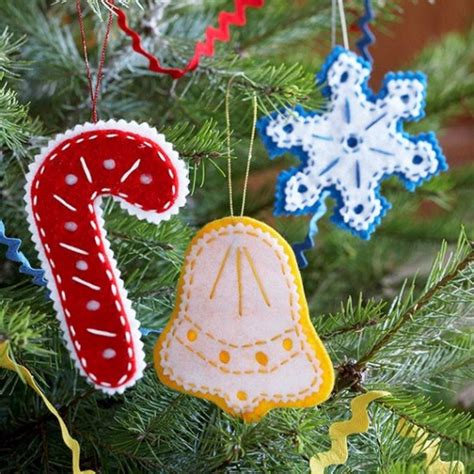 diy felt christmas ornaments 39 cute homemade felt christmas ornament crafts to trim the tree family holiday net guide to