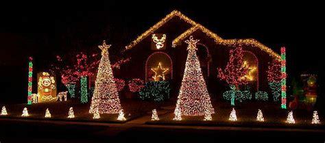 Outdoor Christmas Lights Decorating Ideas