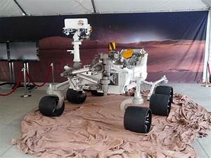 NASA Jet Propulsion Laboratory to Land Rover on Mars on ...