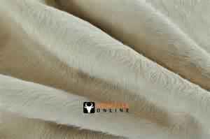 Kuhfell Teppich Weiß : kuhfell teppich natur weiss 230 x 220 cm bei kuhfelle online kaufen ~ Frokenaadalensverden.com Haus und Dekorationen