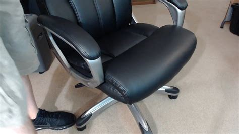 amazonbasics high  executive chair black review
