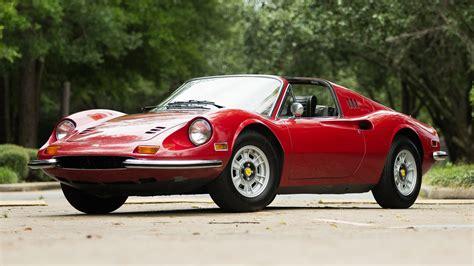 The 246 gts had a removable roof panel similar to the 1967 porsche 911 targa. 1972 Ferrari Dino 246 GTS | S98 | Monterey 2016