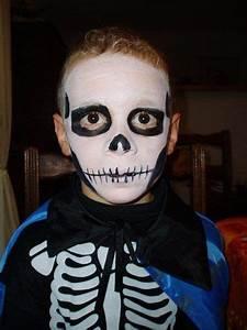 Maquillage Halloween Enfant Facile : maquillage artistique ou grimage pour halloween ~ Nature-et-papiers.com Idées de Décoration