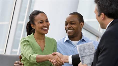 banks offer   customer service gobankingrates