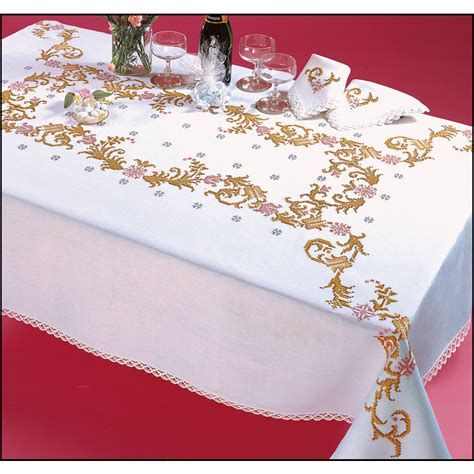 nappe a broder point de croix favorite nappe rectangulaire imprim 233 e point de croix margot 7872 broderies cie
