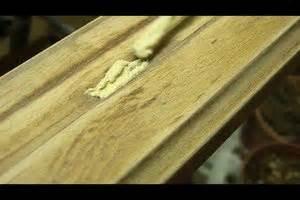 Holz Treppenstufen Erneuern : video lackiertes holz streichen so erneuern sie den anstrich ~ Markanthonyermac.com Haus und Dekorationen