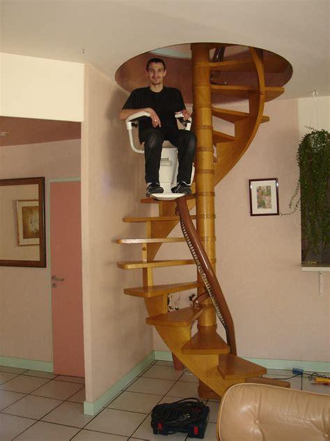 siege escalier monte escalier courbe accessibilite fr