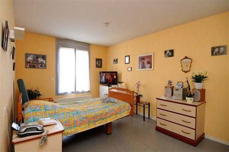 chambre de maison de retraite chambre de maison de retraite affordable une chambre with
