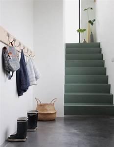 couleur peinture escalier elegant idee deco cage d With awesome peindre des escalier en bois 10 renovation escalier la meilleure idee deco escalier en un