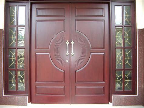 beragam jenis model pintu kayu jati  disesuaikan