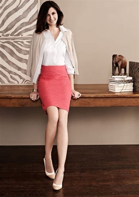24 Gorgeous And Girlish Pencil Skirt Outfits For Work ...