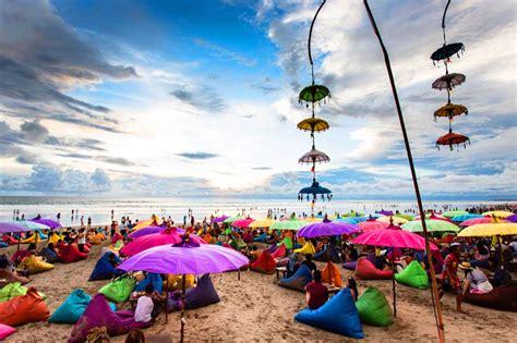 canggu beach bali deyiz