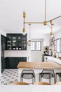Idee relooking cuisine cuisine blanche avec plan de for Idee deco cuisine avec mobilier de boutique