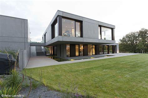 Moderne Häuser In Düsseldorf by Schwebek 246 Rper Am Hang D 252 Sseldorf Cube Magazin Kleine
