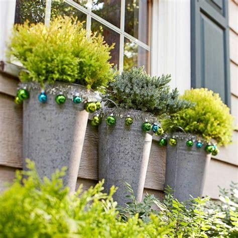 weihnachtsdeko ideen weihnachtsdeko ideen mit farbigen zierornamenten 11 schöne vorschläge
