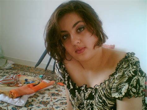 beautiful arab aunties housewife  girls hot