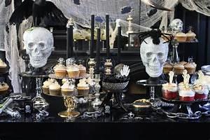 Buffet Halloween : halloween dessert buffet heather christo ~ Dode.kayakingforconservation.com Idées de Décoration