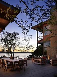 Grand, Glass, Lake, House, With, Bold, Steel, Frame