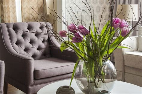 Living Room Wallpaper Lilac by Lilac And Beige Restrained Traditional Apartment Obsigen