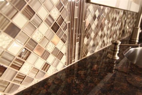 Lowes Backsplash Installation : How To Install A Mosaic Backsplash In Two Hours Or Less