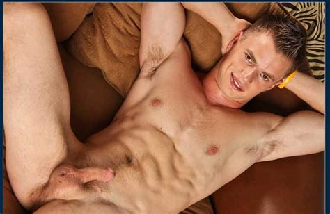 Taste Some Sweet Hot Gay solo Masturbation With Sexy Aaron Reynolds