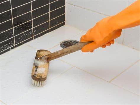 Badfliesen Reinigen Kalk by Hausmittel Gegen Kalk Mit Einfachen Tipps Und Tricks Die