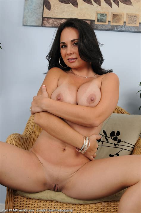 Introducing 33 Year Old Holly West From