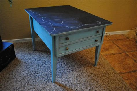 great reuse for 70 s table with laminate chalkboard paint