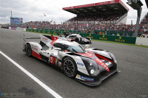 shocking twist in minutes of le mans 24 hours 183 f1 fanatic