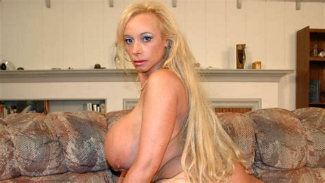 Milf Echo Valley Fucking In The Couch With Her Hairy Pussy
