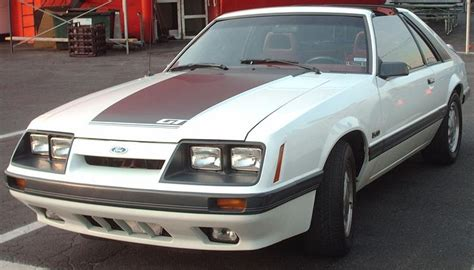 Ford Cars Of The 80s by Best Cars From The 80s At Simplyeighties 1980s Cars