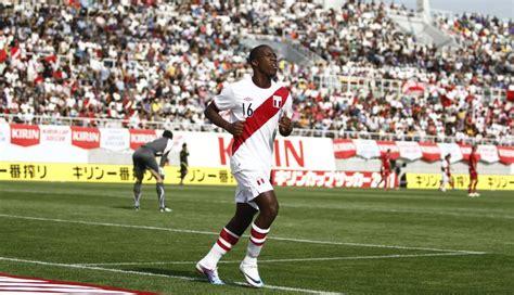 Colombia , el combinado nacional armó una jugada por la banda izquierda. Perú vs. Colombia: el último once de la blanquirroja que ...
