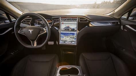 фотографии Tesla Model S 2017 фото экстерьера и интерьера