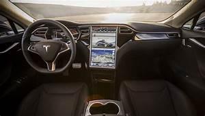 Tesla Model S P100D - описание и характеристики электрического кроссовера