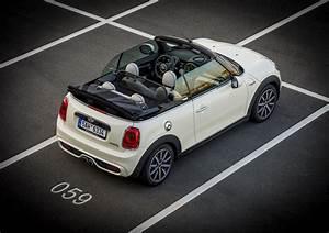 Mini Cooper Modele A Eviter : images gratuites voiture roue v hicule auto mini cooper mini convertible parquer ~ Medecine-chirurgie-esthetiques.com Avis de Voitures