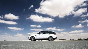 Range Rover Sport Supercharged in Dubai's Desert: HD ...
