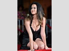 Katy Perry's Boobs Pop Out Handprint Cem The Daily Caller