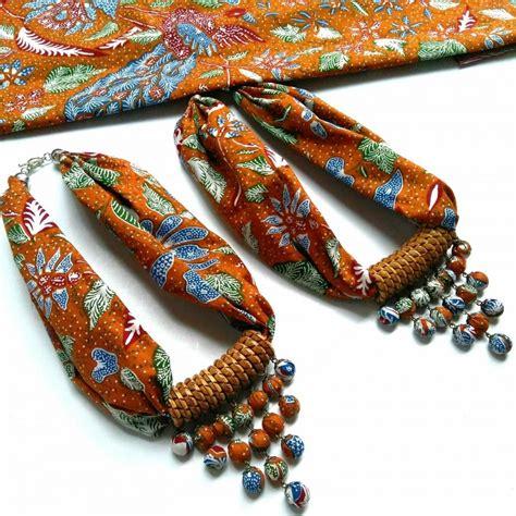 Kalung Batik Sekar We02 kalung batik asri abu lawasan ku ka