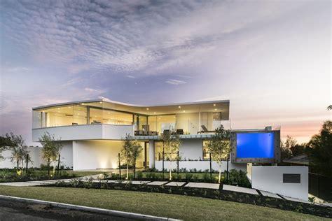 exclusieve villa inclusief zwembad op dak met glazen wand zimmo