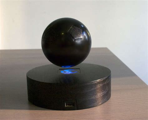 cool speaker the om one floating bluetooth speaker is a really cool gadget