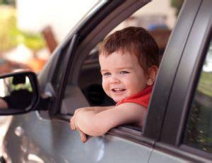 quel age siege auto a quel âge un enfant peut il monter à l 39 avant d 39 une
