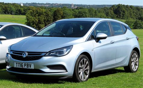 Car Opel by Vauxhall Astra