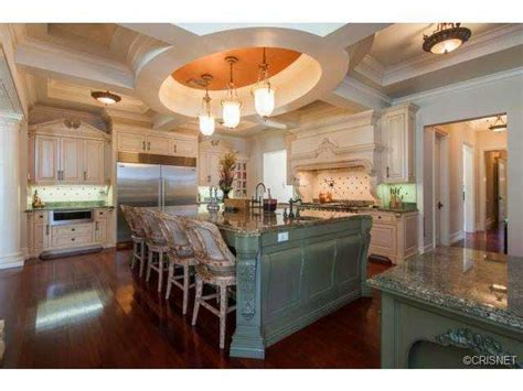 tricked  mansions showcasing luxury houses insane