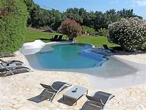 choisir la forme et l39emplacement de sa piscine travauxcom With piscine en pierre naturelle