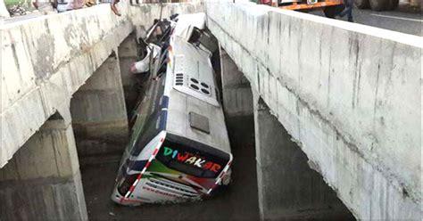 bhubaneswar  hyderabad bus accident  killed