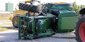 Häcksler Für Traktor : unfall mit traktor sorgt f r verkehrsbehinderungen ~ Eleganceandgraceweddings.com Haus und Dekorationen