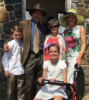 Cecily Tynan – Net Worth, Height, Family, Salary, Children ...
