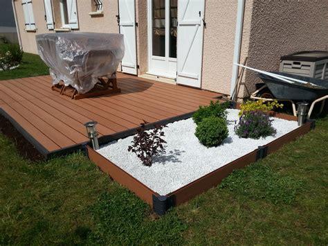 poser une terrasse composite sur lambourdes  plots