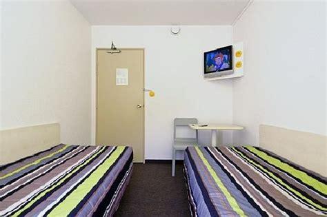 hotelf1 porte de montmartre hotel voir les tarifs 152 avis et 77 photos