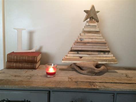 tutorialous com 18 creative handmade pallet wood